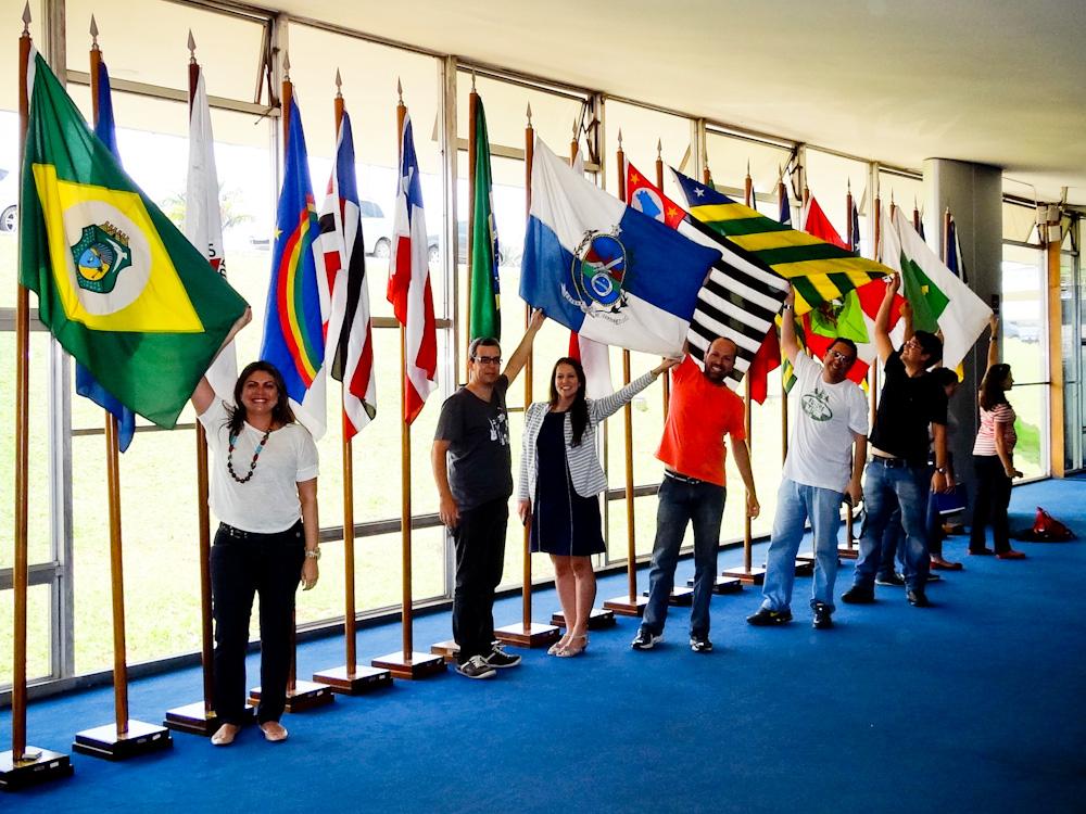 Blogueiros do #EncontroMTur nas bandeiras dos estados