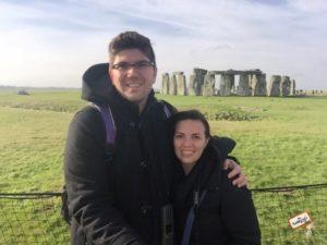 Lu e o maridão em Stonehenge